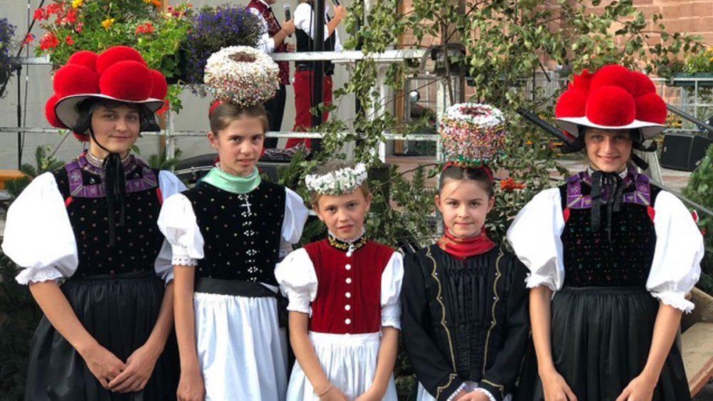 RUF-beckesepp-schwarzwaldtag-trachtenmaedels-1200x900px